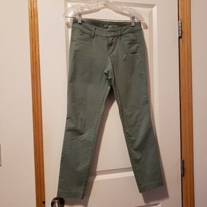 Old Navy Pixie Ankle Chino